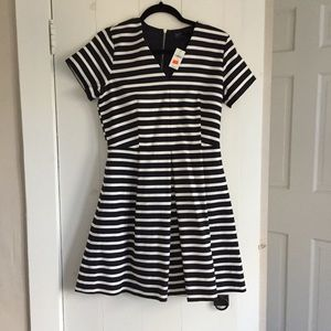 Women's GAP Dress - NEW